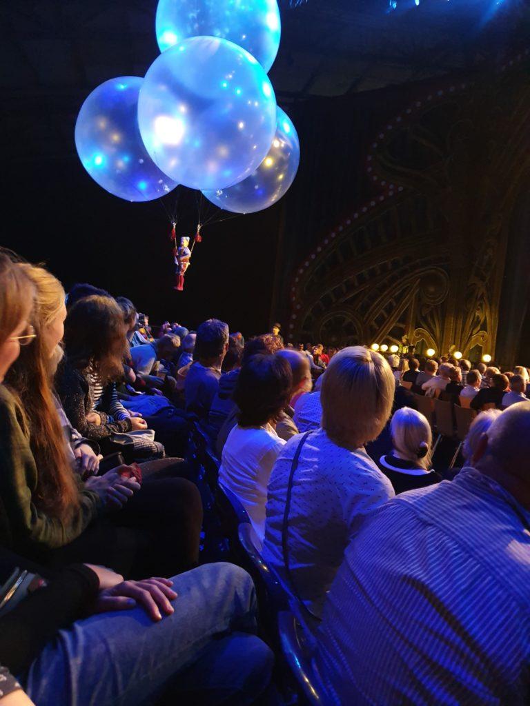 Akrobatik mit Publikum