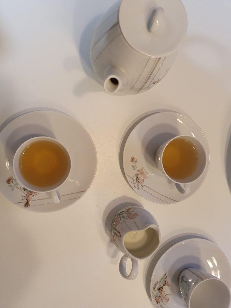 B.Tealy Premium Tee genießen