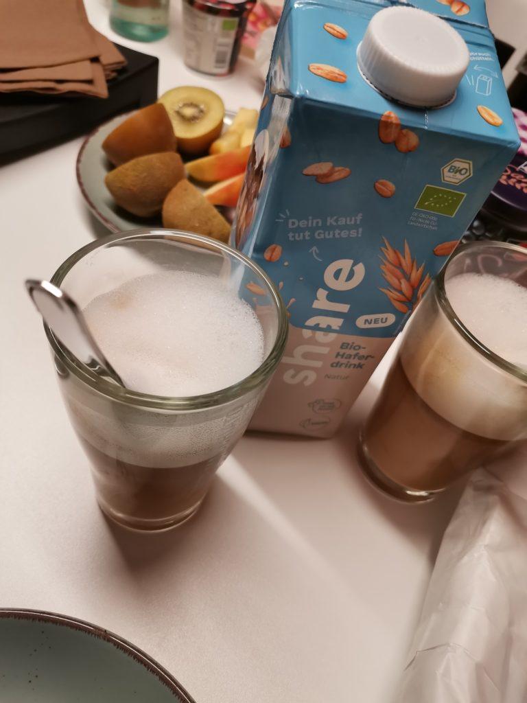 share Mandelmilch