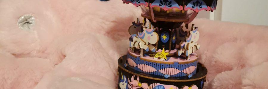 Traumhafte Spieluhr aus Holz