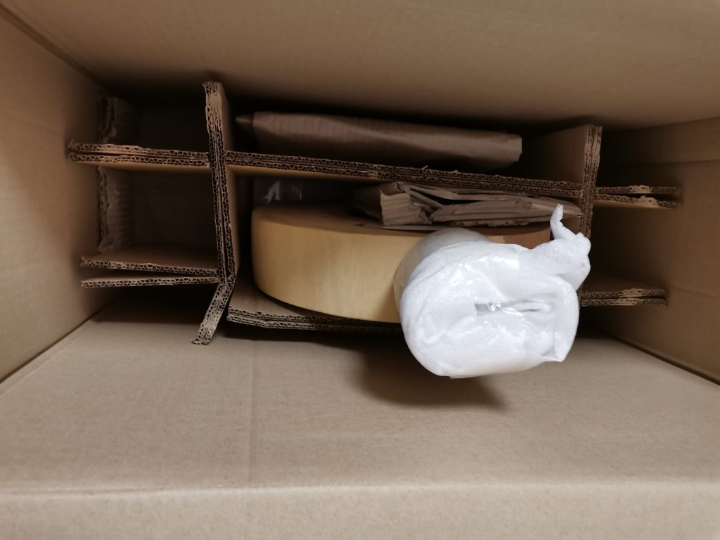 ExotischerLeben Stehlampe verpackt