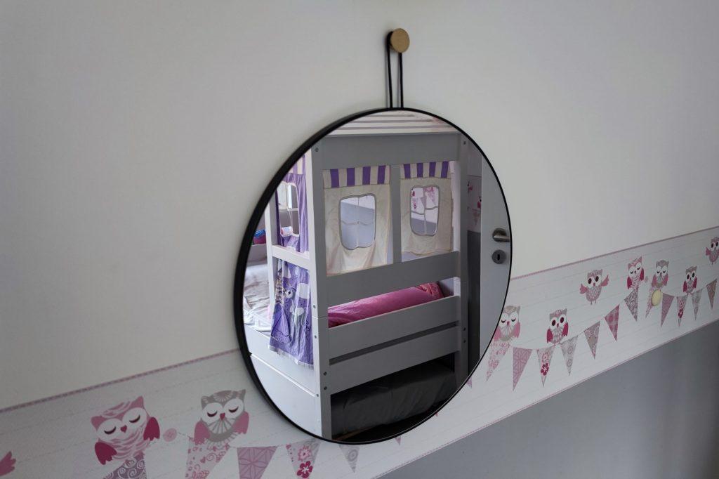 spiegel hängend