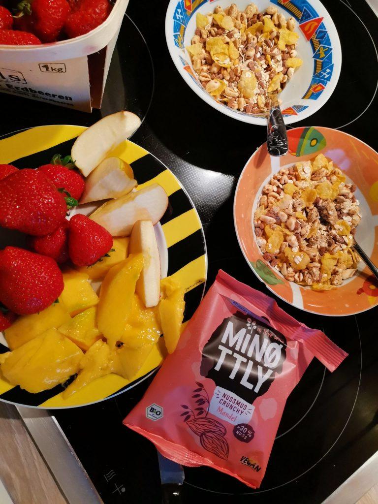 MiNottly Nussmus Chrunchy Mandel Frühstück